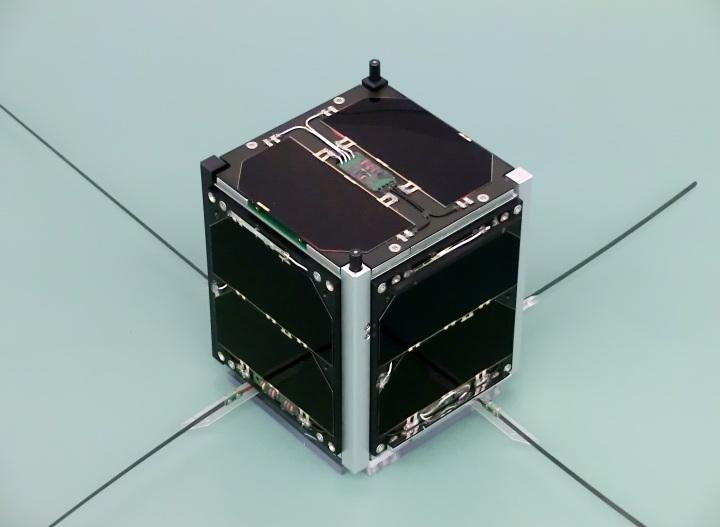funcube-1-flight-model-image-credit-wouter-weggelaar-pa3weg